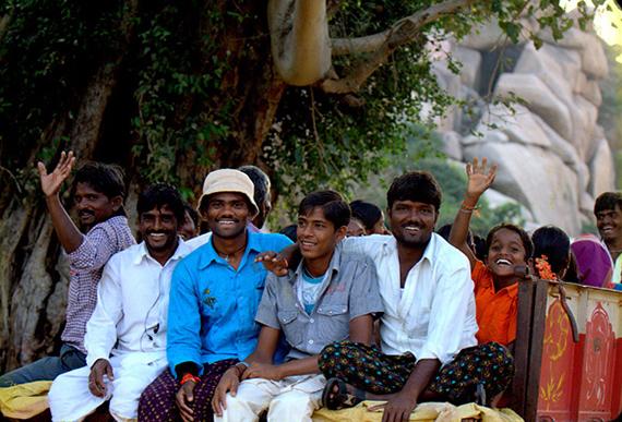 indian-transport-hampi-people