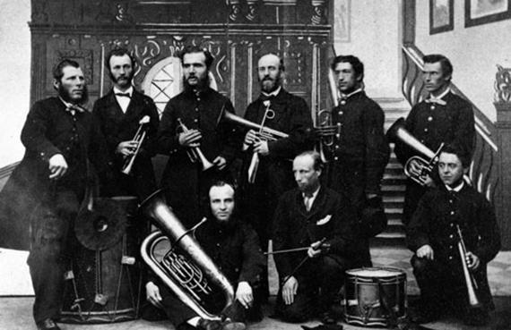 19-Staff-band