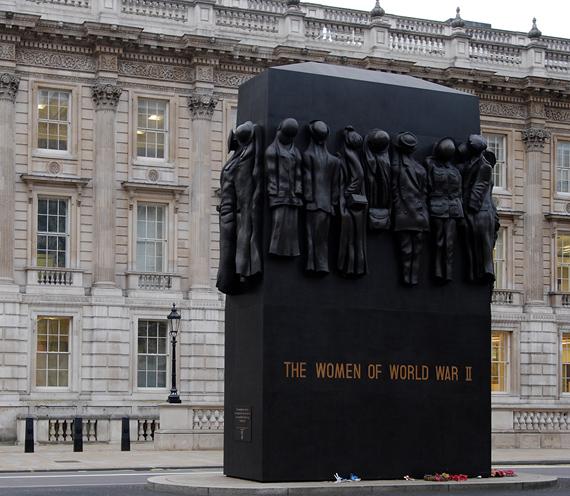 Monument_Women_World_War_II