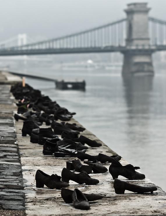 Shoes_Danube_Promenade_IMGP1297