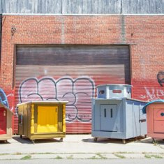 gregory-kloehn-turns-trash-into-vibrant-houses-for-the-homeless-designboom-08