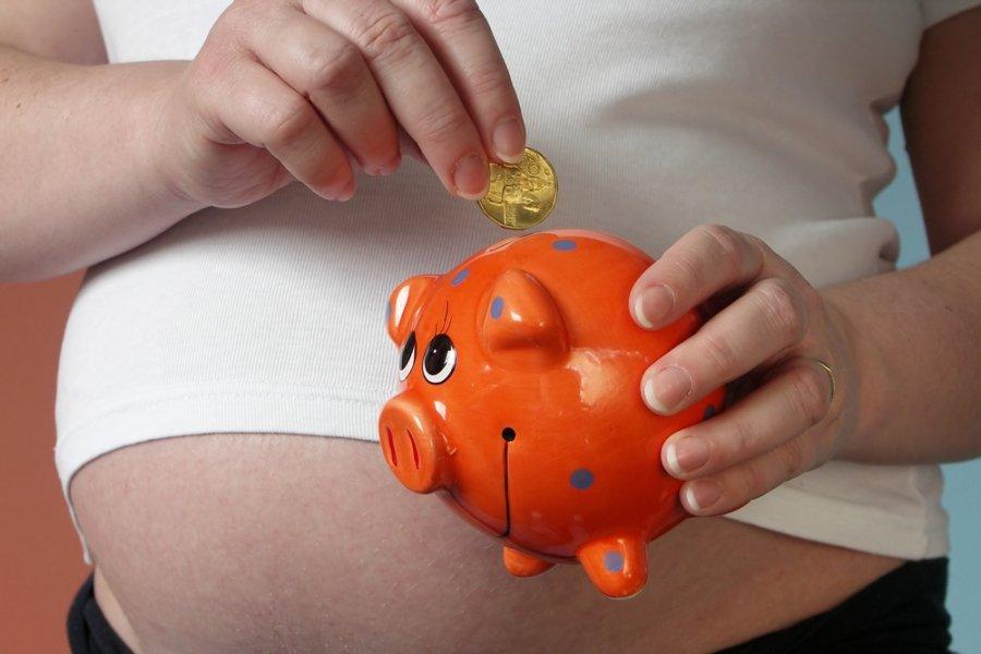 Какие деньги положены беременной если она не работает 16