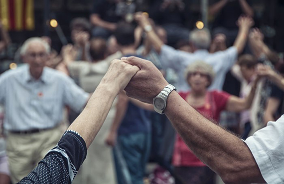 Old-people-elderly-dancing-c-MV-Photography-shutterstock_208698658-700x455