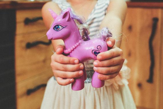 hands-purple-child