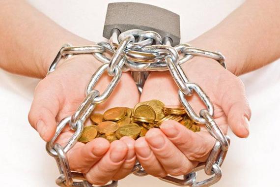 Долг платежом опасен: валютные ипотечники оказались в ловушке