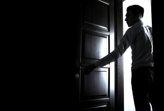 Мошенники заставляют пенсионеров согласиться на замену окон как их привлечь