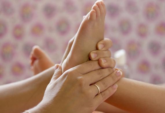 Почему у девочек болят ноги
