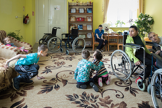 Кто-то говорит, что таких учреждений существовать не должно, давайте всех инвалидов раздадим в семьи.