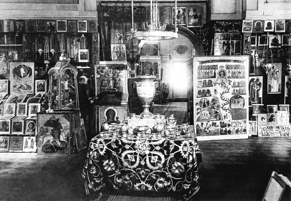 Изъятие церковных ценностей в Слуцке в 1922 году. Фото nasledie-sluck.by